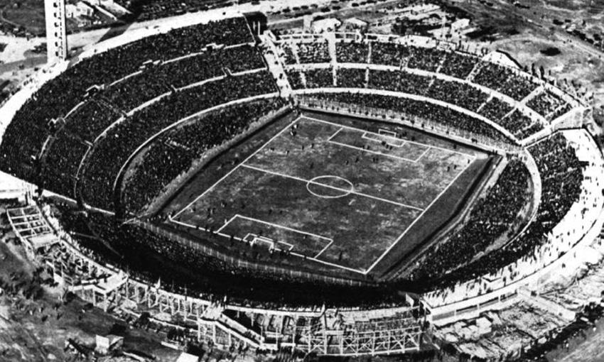 ฟุตบอลโลกครั้งแรกจัดขึ้นที่ใด ประเทศใดเป็นเจ้าภาพ?